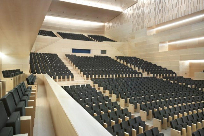Butacas de auditorio para grandes espacios públicos.